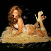 Леди Гага выложила новое превью клипа Ричардсона на песню Cake