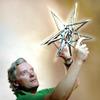 Датский художник затопит в Марианской впадине ДНК людей и животных