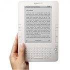 Электронные книги для Kindle продаются быстрее бумажных
