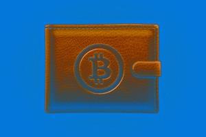 Неизвестный оставил биткоин-кошелёк у дома Цукерберга