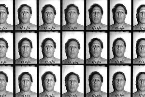 Фотограф делал селфи на протяжении 25 лет