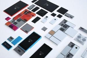 Motorola выпустит обновляемые модульные смартфоны