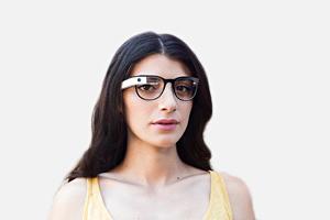 Производитель Ray-Ban создаст оправы для Google Glass