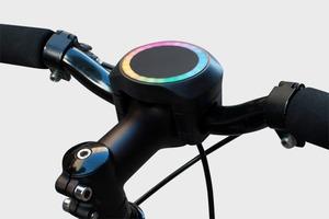 На Kickstarter представили простой навигатор для велосипеда