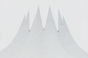 Инстаграм с паттернами и инопланетной архитектурой