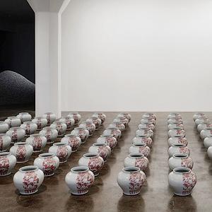 «Упс»: Как люди случайно пачкают, разбивают и съедают современное искусство