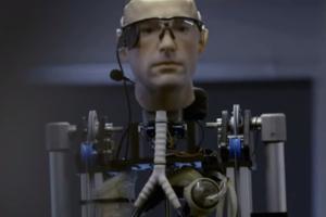 В США представят Бионического Человека