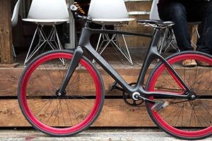 Умный велосипед дает советы и собирает информацию о поездке