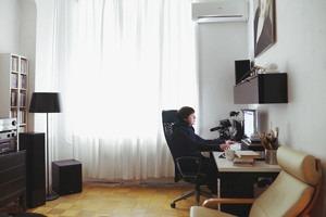 Рабочее место: Дмитрий Яковлев, креативный директор Leo Burnett