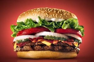 Фотограф сравнил бургеры в рекламе и в реальной жизни