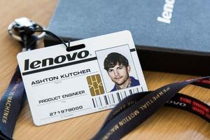 Эштон Кутчер будет работать инженером в Lenovo