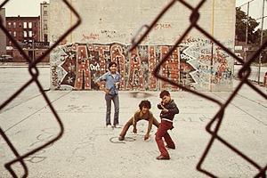 Закон и беспорядок: 10 фотоальбомов о преступниках и преступлениях