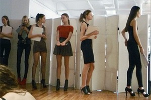 Дневник модели: Разговор с новым лицом Prada, съёмка и снова «Старбакс»