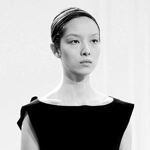Что критики думают  о дебюте Александра Вэнга  в Balenciaga