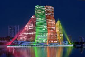 Российский архитектор показал больницу-небоскрёб в виде яхты
