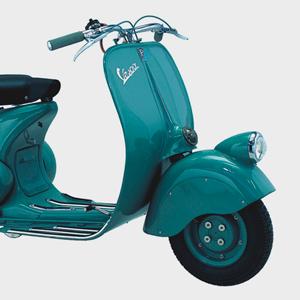 Дизайн-объект: Скутер Vespa, воплощающий итальянский модерн