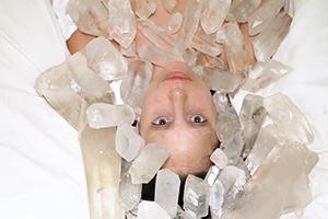 Обнаженная Леди Гага стала частью перформанса Абрамович