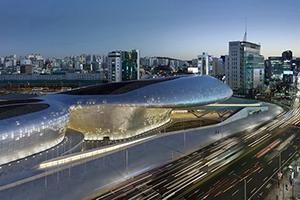 Заха Хадид открыла культурный центр в Сеуле