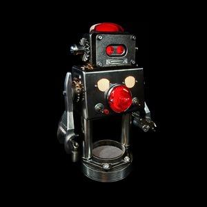 Фото: забавные роботы из промышленного мусора