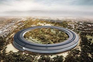 Стройку кампуса-кольца Apple засняли с дрона