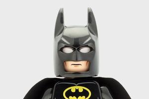 Видео: «Бэтмен против Супермена» в LEGO