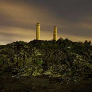 Фабрики из хоррора: ночная индустриальная фотография