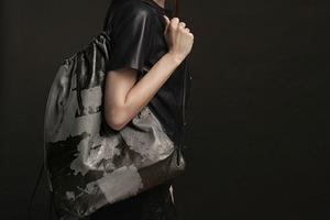 Александр Вэнг создал рюкзак с помощью краудсорсинга
