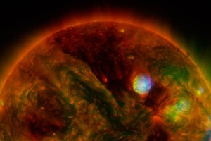 Фото дня: три телескопа сфотографировали Солнце