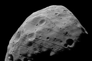 NASA объяснили борозды на поверхности Фобоса