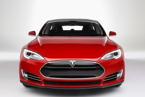 Автопилот в Tesla Model S опробовали на московских дорогах
