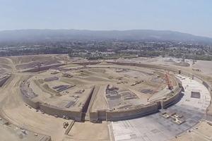 Стройку кампуса-кольца Apple сняли с дрона