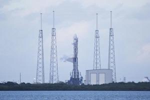 С третьей попытки ракета SpaceX успешно стартовала