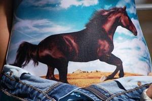 Барт Симпсон, заснеженные ели и херувимы: Принты из коллекций FW 2012