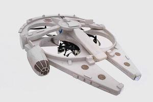 Энтузиаст построил дрон в виде «Тысячелетнего сокола»