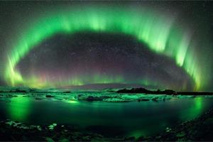 Фотограф создал интерактивную панораму северного сияния