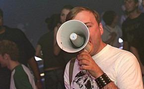 Влад Азаров: будущее музыкальных медиа