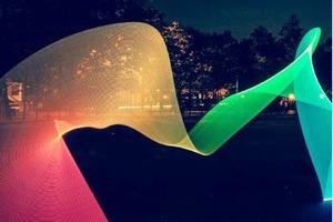 Pixelstick позволяет рисовать в воздухе фотореалистичные эффекты и анимацию