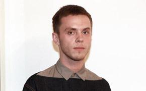 Гардероб: Александр Кондаков, конструктор Vika Gazinskaya и дизайнер