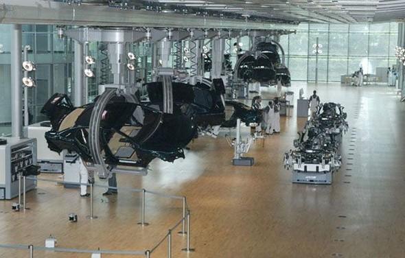 Стеклянная мануфактура Volkswagen. Изображение № 14.