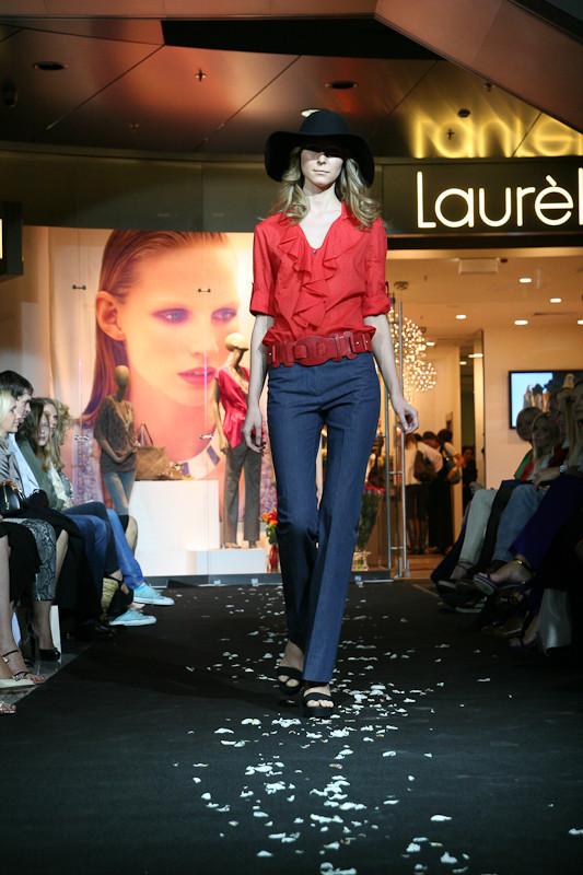 Звездное открытие флагманского магазина Laurèl. Изображение № 5.