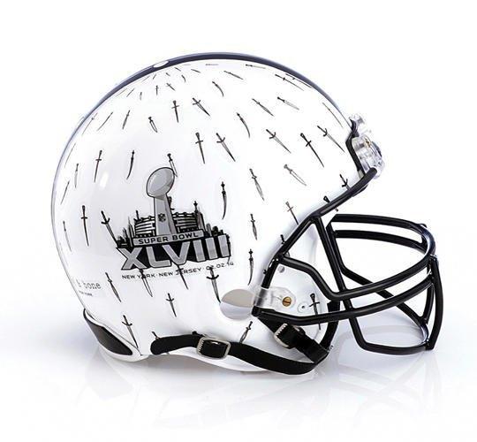 Дизайнеры превратили футбольные шлемы в предметы искусства. Изображение № 7.