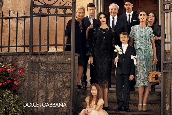 Превью кампании: Бьянка Балти и Моника Беллуччи для Dolce & Gabbana SS 2012. Изображение № 3.