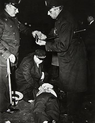 Закон и беспорядок: 10 фотоальбомов о преступниках и преступлениях. Изображение № 27.