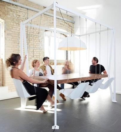 Британский дизайнер создал обеденный стол с качелями. Изображение № 2.