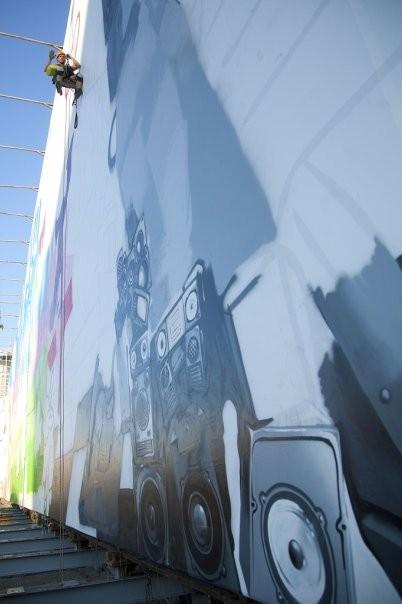 MTC продвигает граффити в центре Москвы. Изображение № 2.