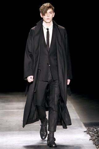 Неделя моды в Париже: мужские показы. Изображение № 76.
