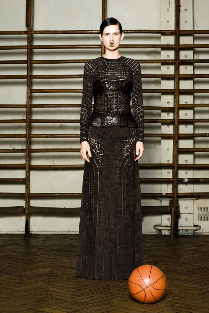 Givenchy Haute Couture SS 2012. Изображение № 8.