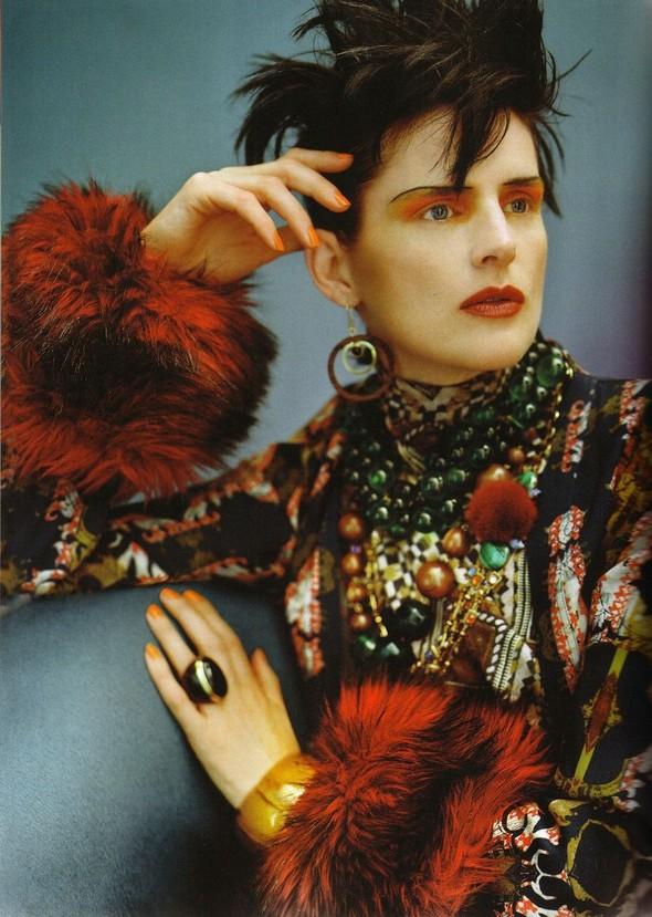 Съёмка: Стелла Теннант для британского Vogue. Изображение № 7.