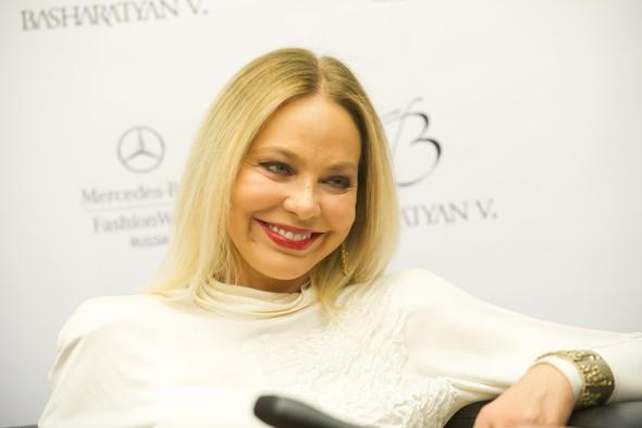 Mercedes-Benz Fashion Week Russia. День пятый. Изображение № 2.