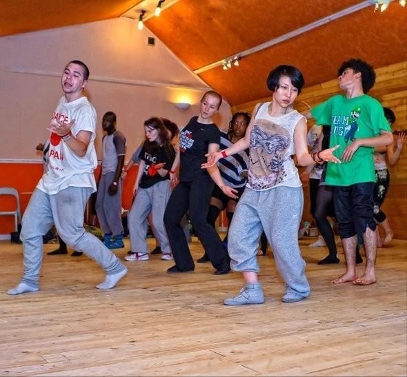 Изображение 14. DANCE FOR JAPAN.. Изображение № 10.